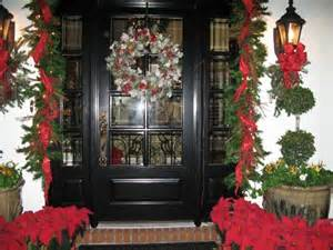 SW Florida Homes' Christmas Decorations Trigger the Magic. Naples, Ft. Myers.